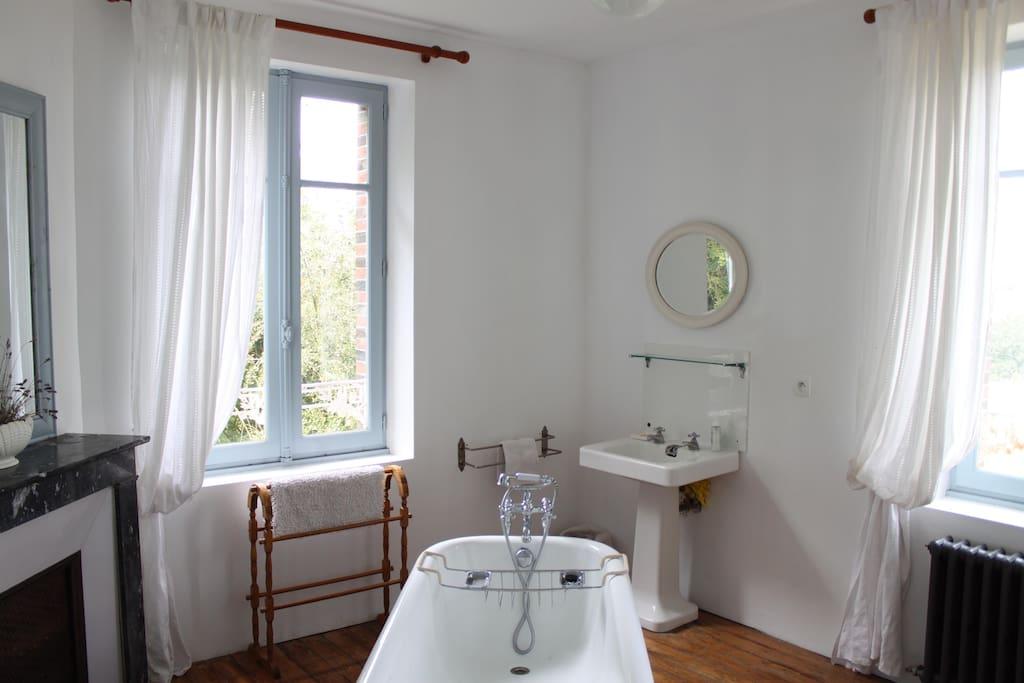 Bathroom with luxurious roll top bath