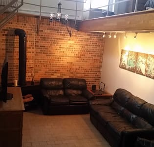 Unique Loft with Free Parking