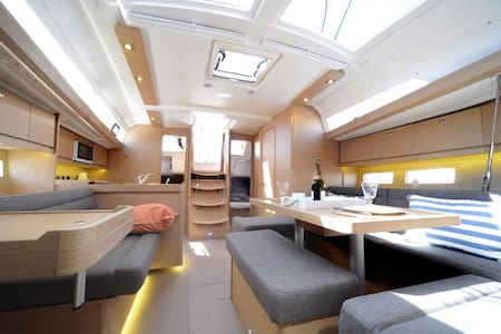 Luxury sailing boat (3 cabins+2 heads) - Ta' Xbiex - Vaixell