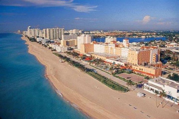AVAILABLE ON SHORT NOTICE 5 STAR*** - Dania Beach - Apartment