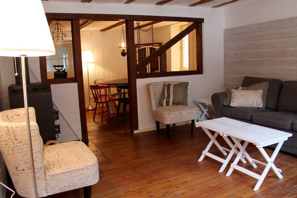 Livingroom. Woonkamer met aansluitend de eetkamer