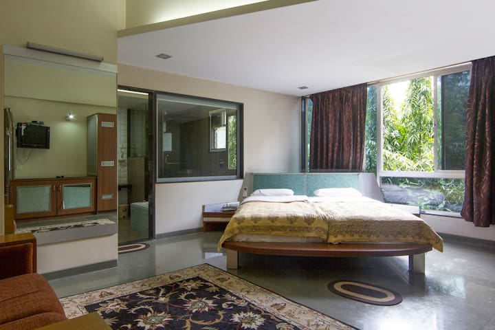 Ultra modern stay in Koregaon Park