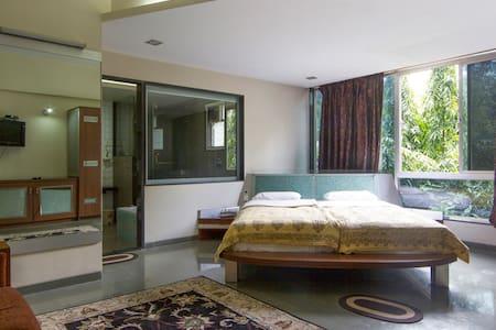 Ultra modern stay in Koregaon Park - Pune