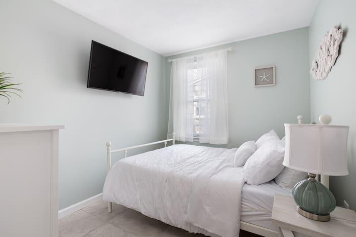 Bedroom #4, Lower level, Full Bed