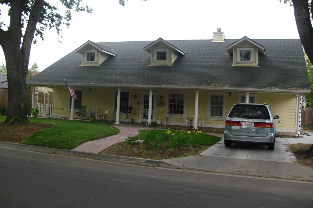 The big yellow house queen houses for rent in modesto House modesto