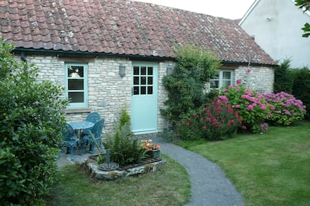 Self Contained Barn Annexe nr Bath - Wick