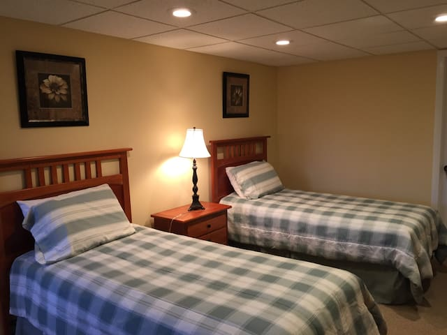 2 Twin Beds in Killington - Killington