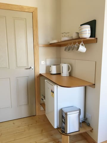 Kitchenette with Kettle, Toaster and Fridge