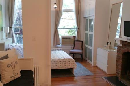 Sunny luxurious loft Studio