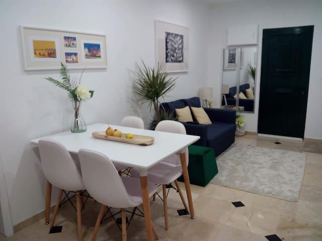 CASA AMARELA/YELLOW HOUSE Hi-Tec in Historic ÉVORA