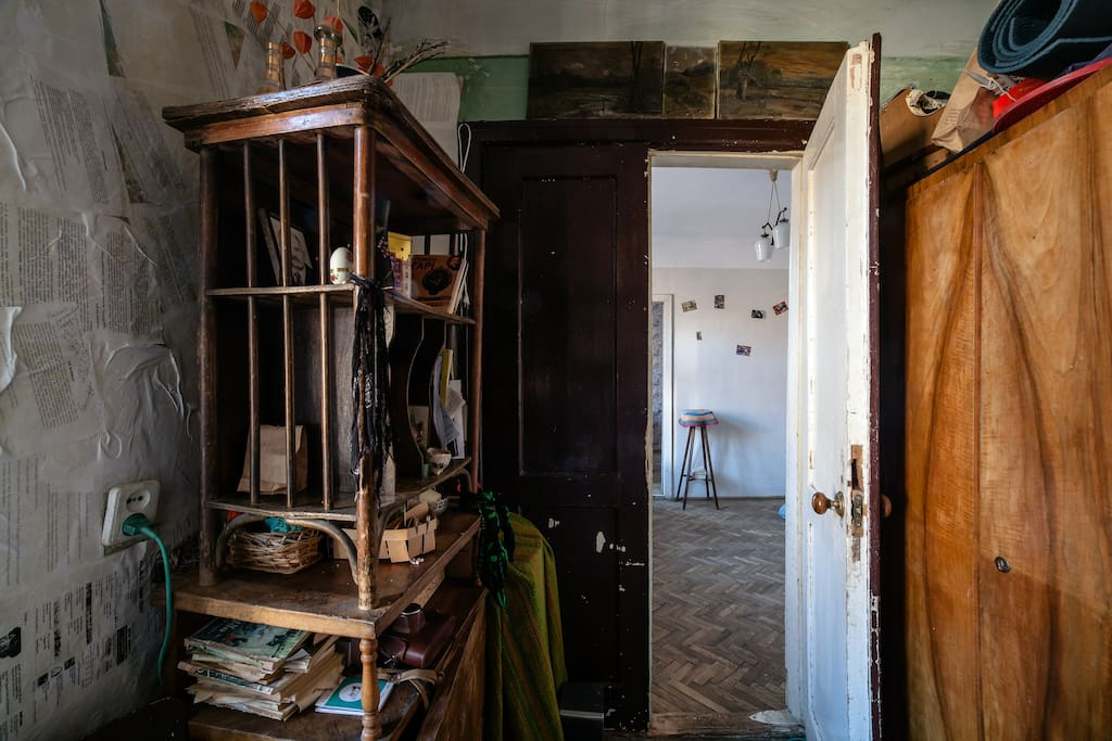 This is the first and most interesting room, you can see very old wall in it, I need art-restorer for the room so as not to spoil by the taste of some of its low-grade fans of modern repair with plastic. This house 300 years old
