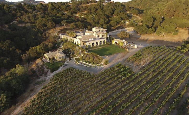 Bella Vista Estate