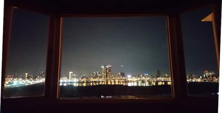 西門町夜景3~4人房  Ximending night view twins room
