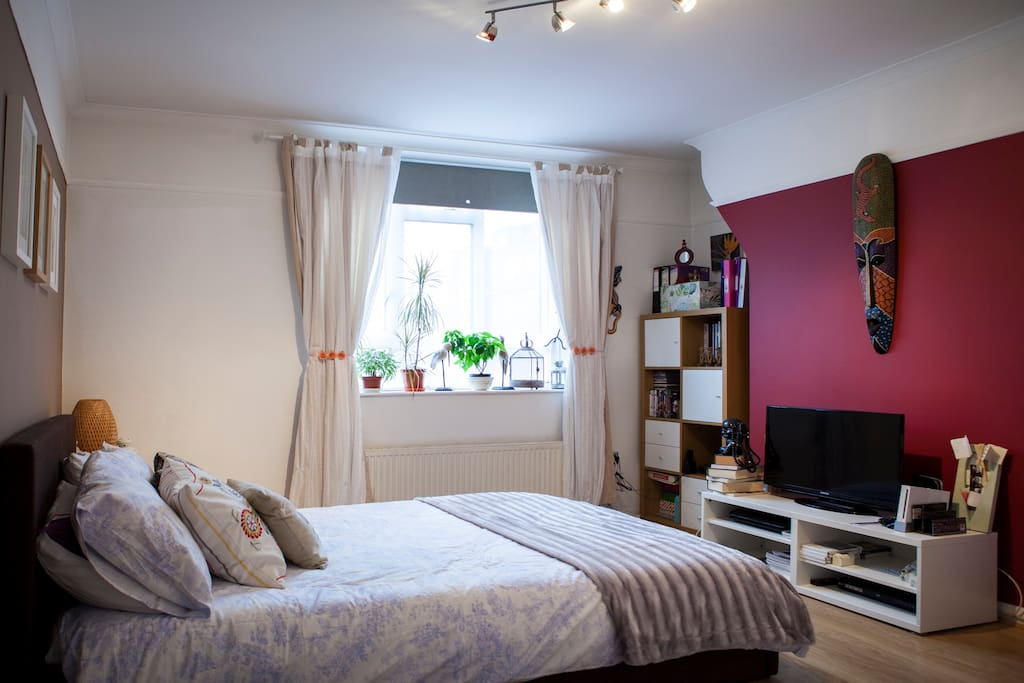 Cute room ideal for couples central london apartments for Cute bedroom ideas for couples