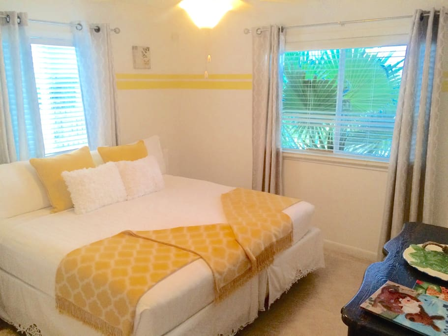 Twin bedroom converted to King upon request