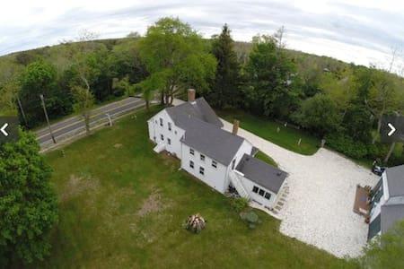 Antique Cape Farm House - Brewster - Dům