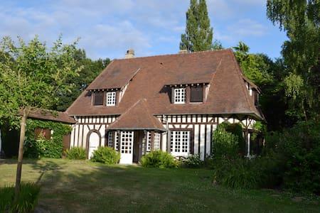 Jolie maison normande avec tennis - Serquigny