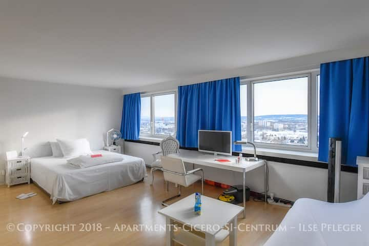 Apartments-Cicero-SI-Centrum w/free parking!