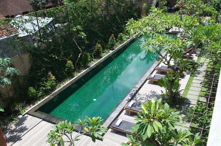 Suite room w/ pool in Ubud Center 2