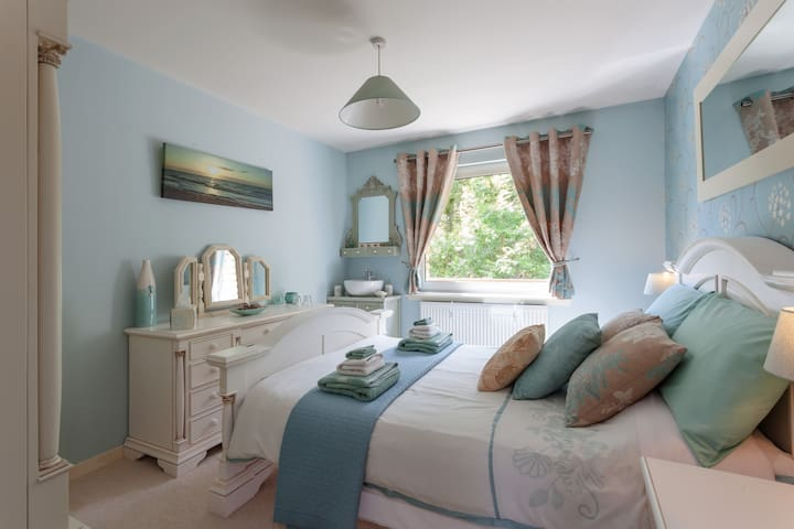 Scotland Spa B&B - Aqua Double Room - Lochailort