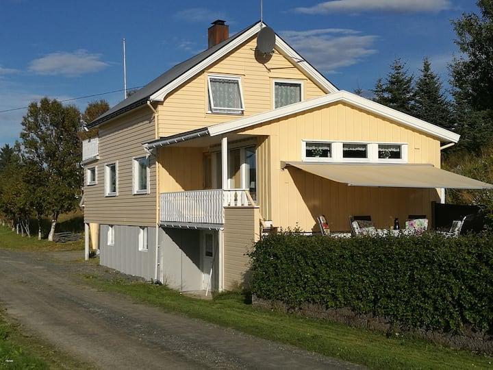 Koselig hus i nydelige omgivelser