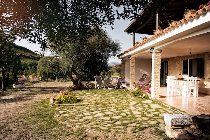 "Il Melograno - Country House  ""nature and relax"""