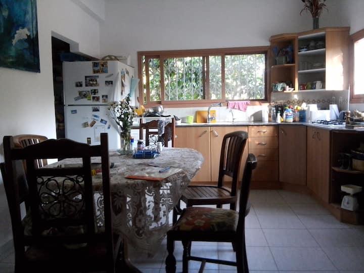A country old house בית כפרי ישן בעל צביון יחודי