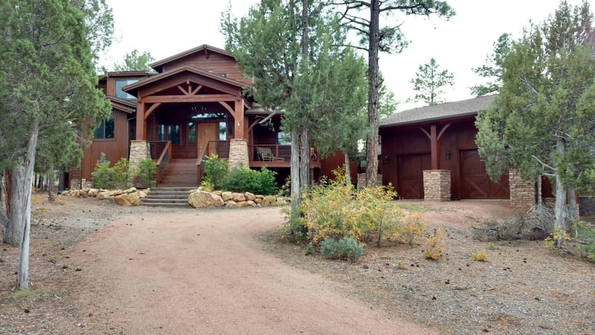 Luxury Cabin Right on the Fairway! - Show Low - Huis