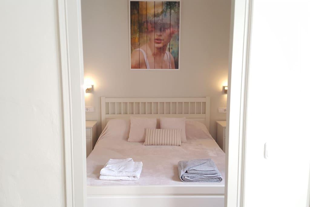 1st floor bedroom with dressing room and en-suite bathroom