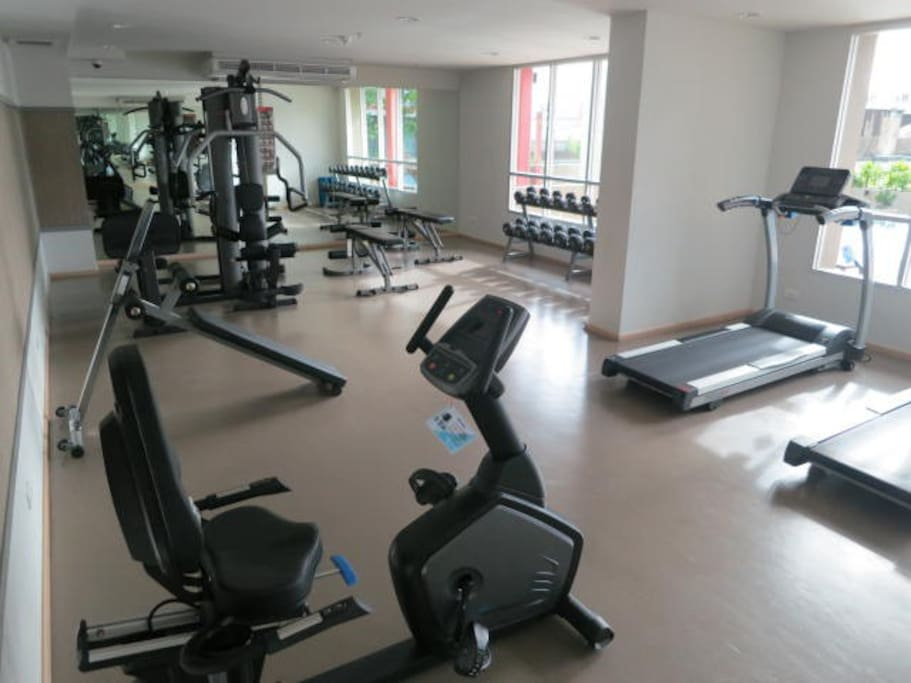Gym with free weights, pin machines, cross trainers, bikes and treadmills (also has air con)