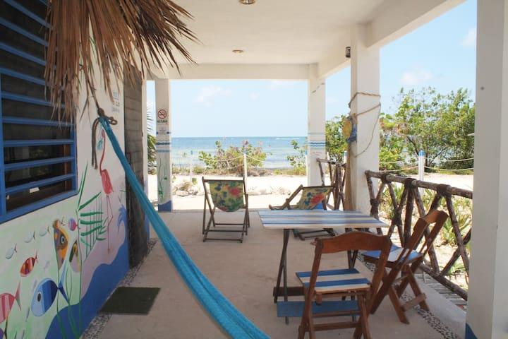 """EcoCamping """"La mar"""" - Selva, mar y paz."""