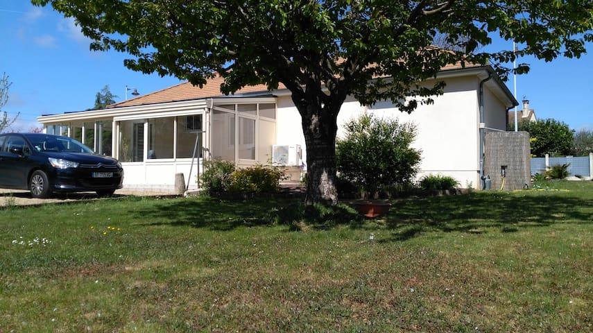 Maison avec deux chambres proche 24 heures du Mans - La Bazoge - Casa