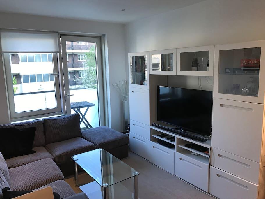 TV/lounge and balcony