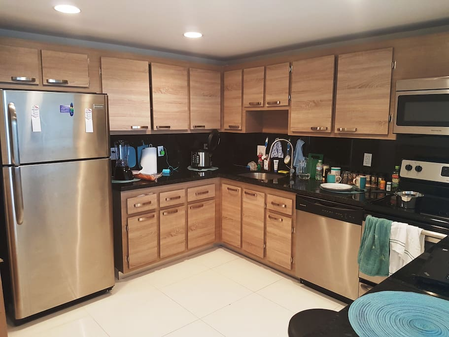 Brand-new kitchen with everything you need.