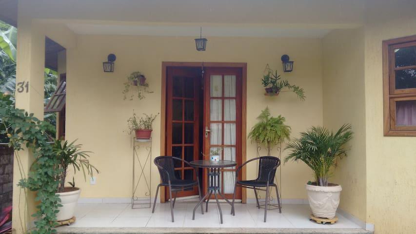 Quarto azul - Casa amarela - Aldeia Velha - Dom