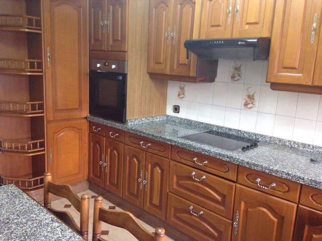 Piso cómodo y céntrico para moverse por Asturias - Pola de Siero