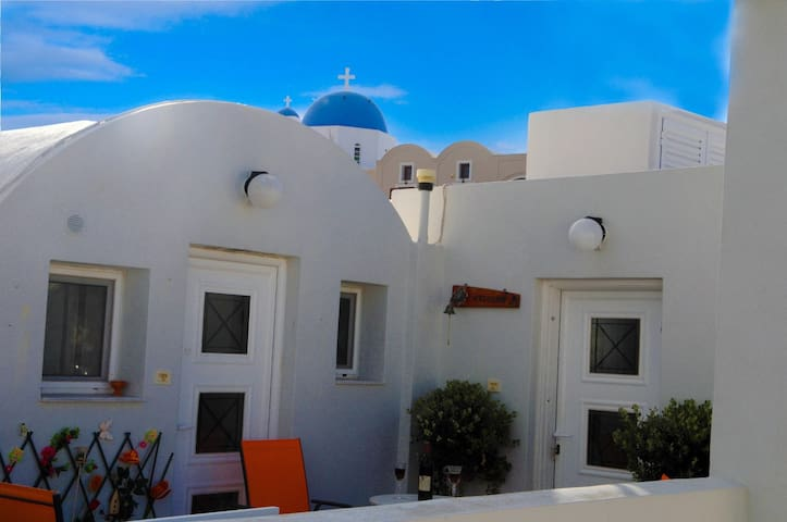 Apt in Firostefani suitable for families - Thira - Apartamento