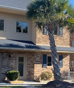 Surfside Beach ☀️ Relaxing Villa Centrally Located
