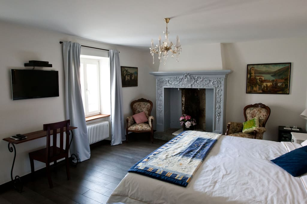Guesthouse Arosio - Room with fireplace
