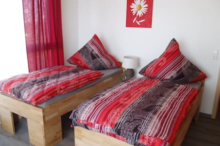 Zweibettzimmer Gästezimmer - Großbettlingen - Pension