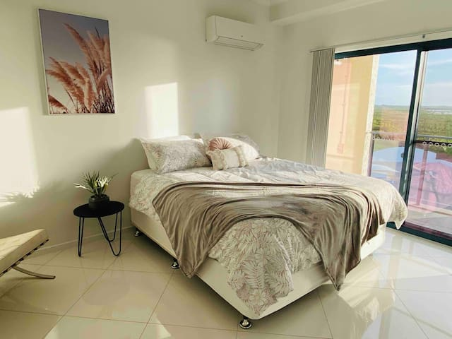 NEW NAHLA Spectacular Seaview 2BR Luxury Penthouse
