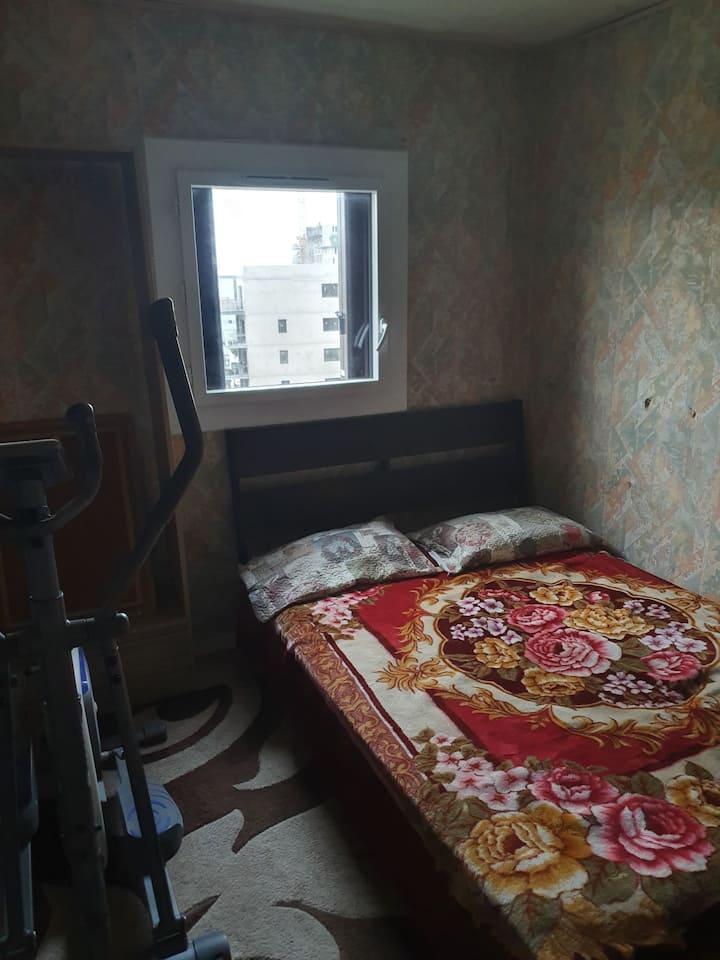 Chambre 2 : chambre modeste marseille centre
