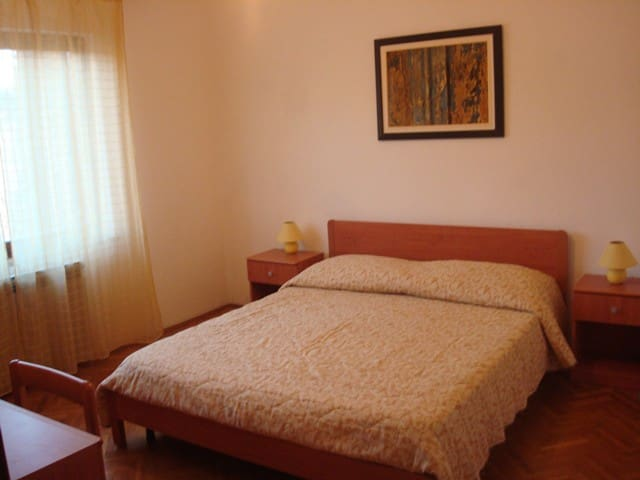 Confortable 2-bedroom apartment with big terrace