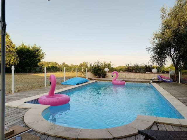 Maison 180 m2 au cœur des vignes, piscine chauffée