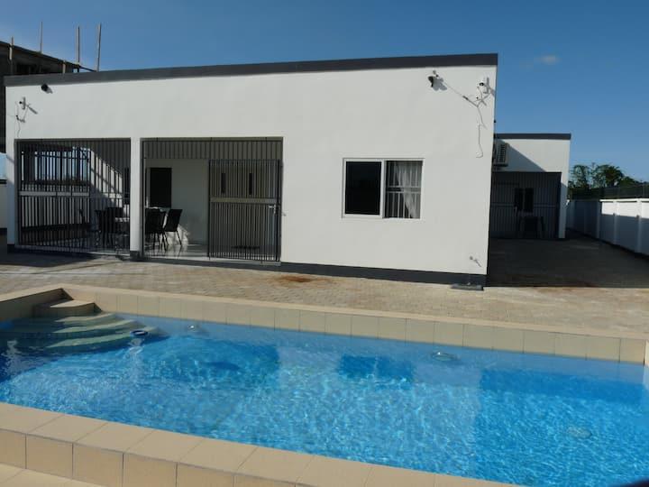 Luxe appartement (A) met zwembad Paramaribo Noord