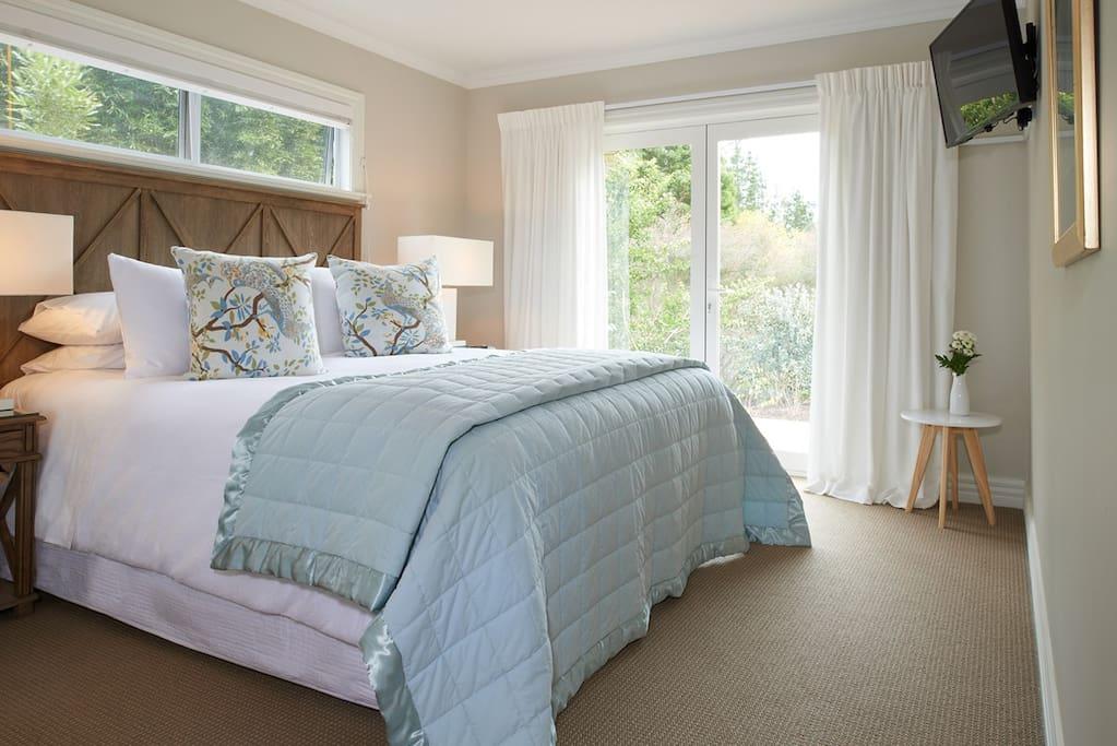 Owner's Cottage Bedroom Suite