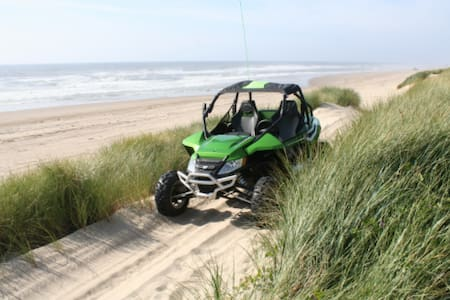 Direct dune access! Sleeps 5