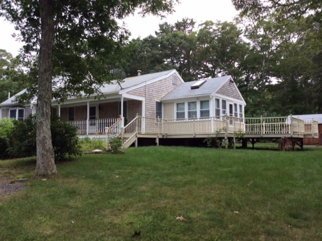 Brewster House with 2 ponds-Available Year Round! - Brewster - Casa