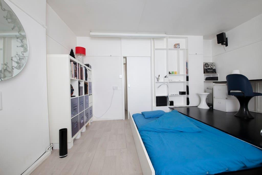 Main room slide Bed open