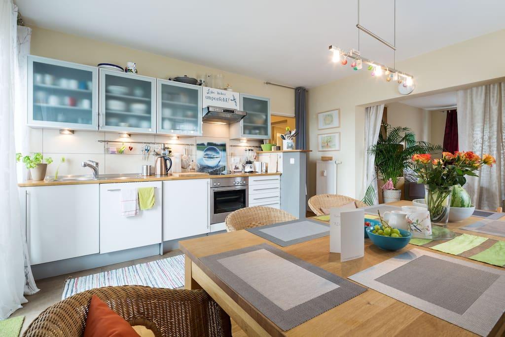 sch ne originelle bew hrte 60 qm mit komfort apartments for rent in k ln nordrhein. Black Bedroom Furniture Sets. Home Design Ideas
